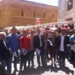 L'équipe de campagne entre le marché des prêcheurs et celui de la place Richelme.